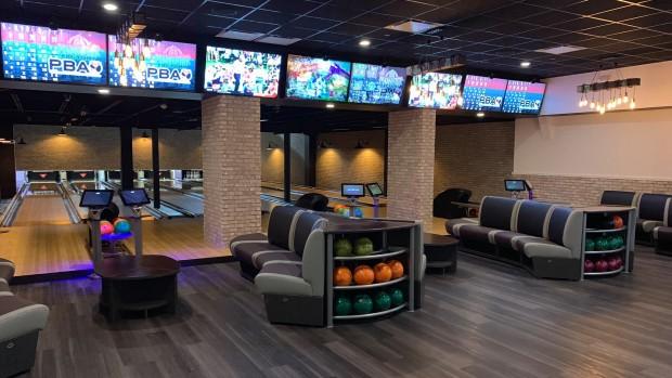 Funplex East Hanover Bowling-Lounge