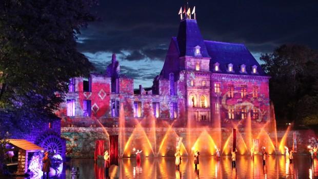 Puy du Fou Show-Vorführung nachts