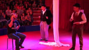 Eifelpark präsentiert 2019 neue Zirkus-Show: Akrobatik und Unterhaltung in neuem Varieté-Zelt