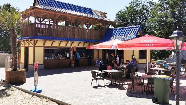 Freizeit-Land Geiselwind süßer Drache Café Drachenbucht
