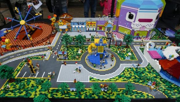 Ein Modell aus LEGO-Steinen stellt den neuen Themenbereich vor. (Foto: LEGOLAND Billund)