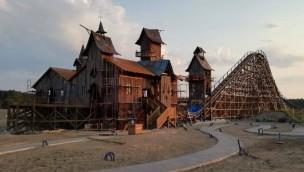 Erste Holzachterbahn Polens im Majaland Kownaty kurz vor Fertigstellung: Eröffnungsdatum bekannt