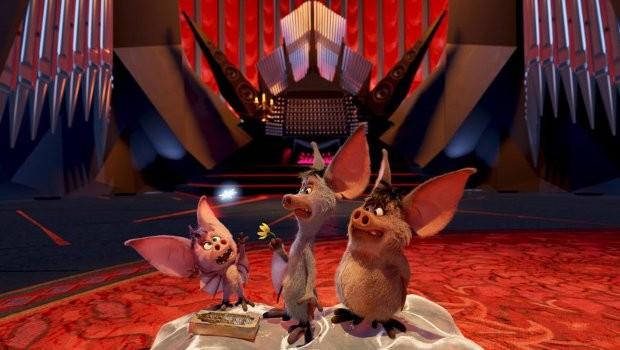 Die drei Fledermäuse sind sehr tollpatschig, bringen die Gäste aber zum Lachen. (Foto: Phantasialand)