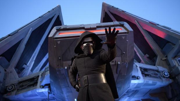 Star Wars: Galaxy's Edge Kylo Ren