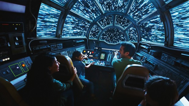 Star Wars: Galaxy's Edge Millennium Falcon: Smuggler's Run Simulator