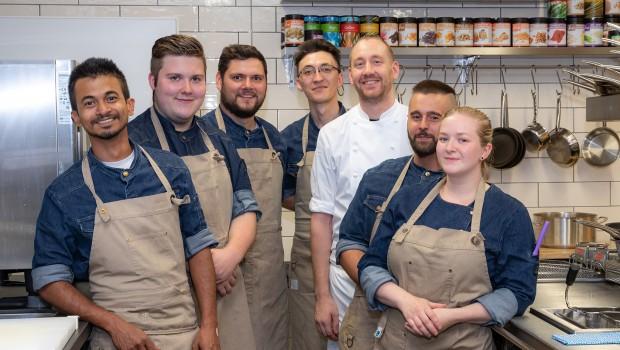 Chef de Cuisine Julian Scheibel Europa-park Hotel Kronasar Team