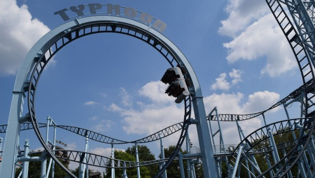 Bobbejaanland Typhoon neue Gestaltung 2019 (Land of Legends)