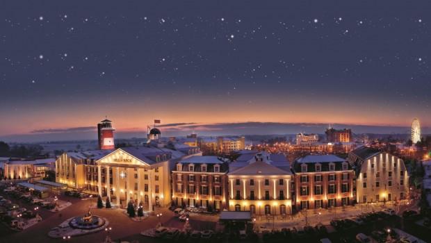 Europa-Park Hotels im Winter am Abend
