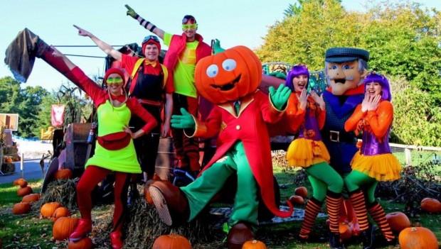Paultons Park Halloween verkleidete Wesen