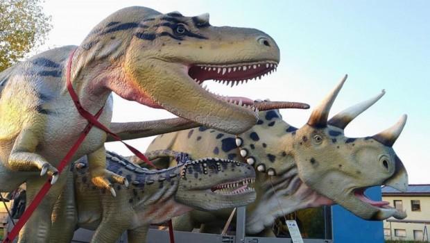 Erlebnistierpark Memleben Dinosaurier-Modelle