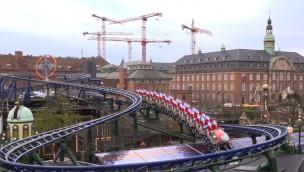 """Tivoli Kopenhagen zeigt Testfahrten von neuer Achterbahn """"Mælkevejen"""""""