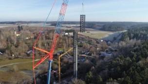 Neue Mega-Attraktion im Bayern-Park steht: Höchster Freifalltallturm Süddeutschlands aufgebaut