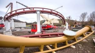 Achterbahn-Aufbau in Tripsdrill schreitet voran: Auch Stützen von zweiter Anlage stehen bereits