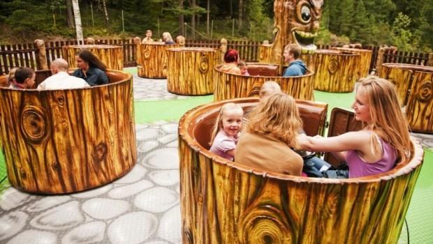 Parc des Combes Teetassen Karussell 2020