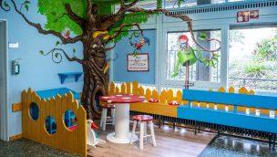 Europa-Park gestaltet Ambulanzbereich der Kinderklinik Freiburg im Freizeitpark-Stil um