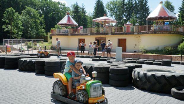 Märchenwald Sambachshof Elektro-Traktoren