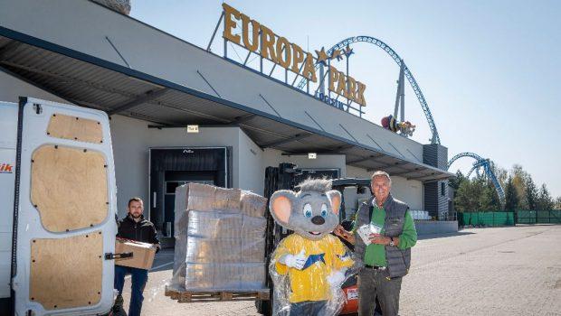 Europa-Park Regen-Poncho Spende nach Frankreich
